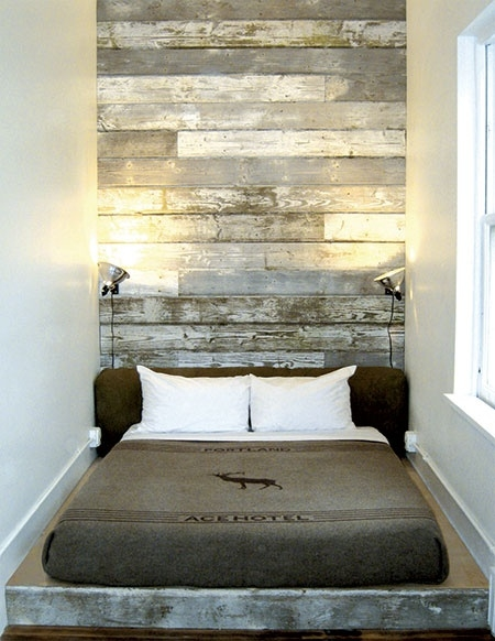 Large bedroom pallet head board