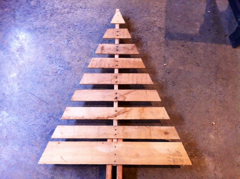 Pallet Christmas Tree With Base