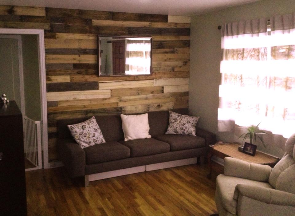 Wood Pallet Wall 2